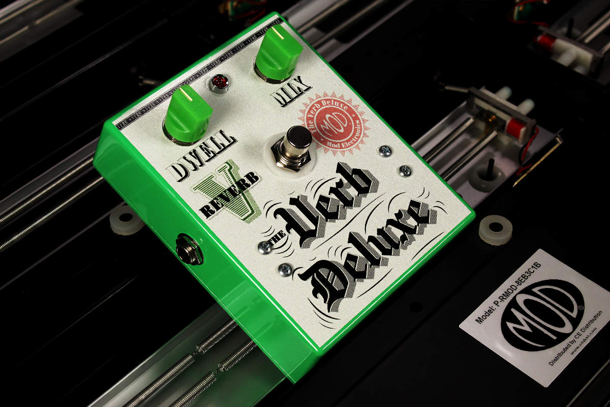 The Verb Deluxe with Mod Reverb Tanks